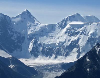 Гора белуха алт уч сумер трехглавая